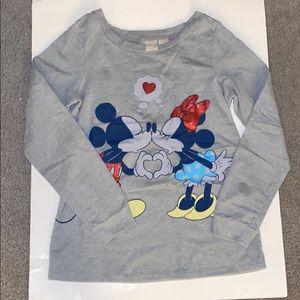 Disney grey sweatshirt of Minnie & Mickey kissing